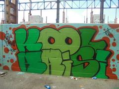kool krisi (en-ri) Tags: tela kade brebell moans nero arancione verde torino wall muro graffiti writing parco dora