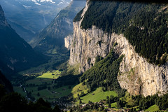 Early Morning View of the Lauerbrunnen Valley (pa_cosgrove) Tags: valley lauterbrunnen wengen switzerland morning cliff sony a73 clouds greenery