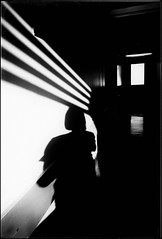 * (PattyK.) Tags: snapseed ioannina giannena giannina epirus ipiros balkans hellas ellada greece grecia griechenland october autumn 2018 ιωάννινα γιάννενα γιάννινα ήπειροσ ελλάδα βαλκάνια οκτώβριοσ φθινόπωρο shadows atwork hospital whereiwork monochrome blackandwhite huaweip9 άσπροκαιμαύρο νοσοκομείο σκιέσ