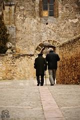 Old walk (photoschete.blogspot.com) Tags: canon 1000d eos sigma pedraza spain pueblo villa village street calle empedrado stoned personas persons walk
