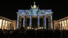 Words of love (tom.too) Tags: brandenburgertor nacht licht farbe berlin light illumination