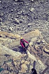 Bajando de la Aiguille de l' M, 2.844 m., Agujas de Chamonix, Alpes franceses, Chamonix, Francia (Ramón Muñoz - Fotografía) Tags: alpes alpinismo montañas francia chamonix agujas aiguilles de