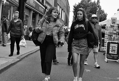 Expressions (Bury Gardener) Tags: bw burystedmunds blackandwhite britain england eastanglia suffolk streetphotography street streetcandids snaps strangers candid candids people peoplewatching folks 2018 nikond7200 nikon uk cornhill