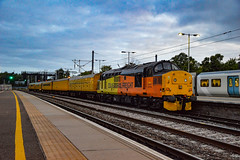 37175 + 9714 - Bedford - 18/08/18. (TRphotography04) Tags: colas rail freight 37175 network dbso 9714 depart bedford with 0021 woking up yard recp burton ot wetmore sidings taken 0544 180818