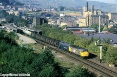 A Grey And A Blue One At Sowerby Bridge (Michael McNicholas) (Neil Harvey 156) Tags: railway 31128 31156 sowerbybridge caldervalley prestondockstanks prestontanks bitumentanks 7e60 class31 railfreightgrey brblue railblue ped goyle doubleheaded michaelmcnicholas