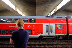 Don't Look Back (Michael Goldrei (microsketch)) Tags: 2018 x100t dusselfdorf eu street around trains düsseldorf look september red photos summer sept st sep photography fuji series station photo backs doubledecker deutschland back european germany xseries fujifilm double bahnhof bahnhoff 18 two photographer train turn fujilovers europe x men