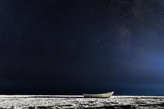 Mer de la tranquilité (Francis Nicolle) Tags: ciel nuit étoiles pirogue mer plage poselongue nikond500 tokina