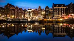 Singel, Amsterdam (rpajrpaj) Tags: amsterdam bluehour thebluehour netherlands nederland nederlandvandaag sunrise city cityscape canal canals laowa uwa omd em5ii ntemp olympus 20181020 autumn herfst