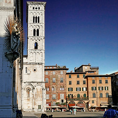 Lucca, Toscana, Italia (pom'.) Tags: panasonicdmctz101 april 2018 lucca toscana tuscany italia italy europeanunion architecture piazzasanmichele sanmicheleinforo 100 200