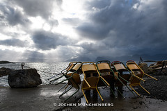 lounge (drzoidbergh) Tags: norwegen norge nordland no chair sea coast clouds sunset light dramatic