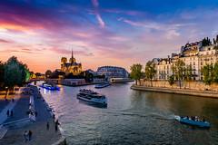 99 minutes, Pont de la Tournelle... (tof-lo62) Tags: paris seine sunset sunrise france notre dame de pose ponte long longue exposure cityscape skyline quai la tournelle ile cité saint louis