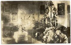 . (Kaïopai°) Tags: vintage alt antik tod death dead postmortem sterbebett leichenschau frau woman kranz kreuz