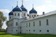 Monastère Saint-Georges de Iouriev (RarOiseau) Tags: velikynovgorod russie cathédrale édificereligieux