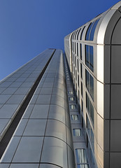 Silver Tower in Frankfurt am Main (Roland Mantke) Tags: architektur hochhäuser details strutur gebäude modern frankfurt