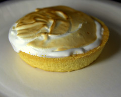 Lemon meringue pie tart (Tony Worrall) Tags: add tag ©2018tonyworrall images photos photograff things uk england food foodie grub eat eaten taste tasty cook cooked iatethis foodporn foodpictures picturesoffood dish dishes menu plate plated made ingrediants nice flavour foodophile x yummy make tasted meal nutritional freshtaste foodstuff cuisine nourishment nutriments provisions ration refreshment store sustenance fare foodstuffs meals snacks bites chow cookery diet eatable forsale stock buy image foodphotography buynow sale sell eet sugar ring round lemon meringue pie macro