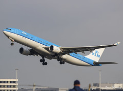 KLM A330-300 PH-AKB (birrlad) Tags: amsterdam ams international airport netherlands aircraft aviation airplane airplanes airline airlines airliner airways takeoff departing departure runway airbus a330 a333 a330300 a330303 klm phakb calgary
