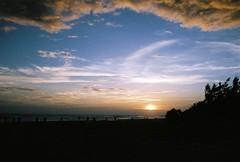 (YL.H) Tags: sunset beach film canon 500n fujifilm taiwan analog 底片 台南 安平
