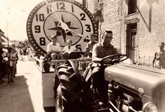 Char de la Saint-Louis, rue Saint-Georges, vers 1960