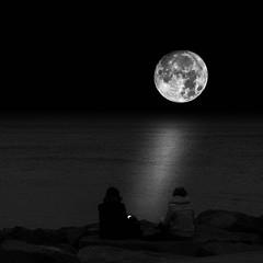 I love my moon (muntsa-joan-BW) Tags: night moon sea reflection blackandwhite bw bnw beach water noche nature