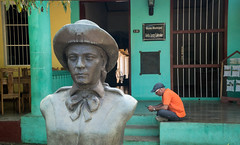 Statue in Viñales, Cuba (ChrisGoldNY) Tags: chrisgoldphoto chrisgoldny chrisgoldberg cuba cuban caribbean latinamerica licensing forsale cubano bookcover albumcover travel viajes sony sonyimages sonya7rii sonyalpha