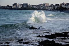 IMG_0033  marée haute à Saint-Malo (gerardstmalo) Tags: wawes vagues tide marée saintmalo