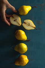 Pears (Hanna Tor) Tags: food sweet eat eating table kitchen cooking organic pear fruit hannator stilllife