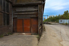 sept-6980 (raymdelmondo1) Tags: lost places old