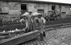 Dock workers (Manuel Goncalves) Tags: port workers people film 35mmfilm blackandwhite santos brazil street nikonn90s kentmere400 epsonv500scanner