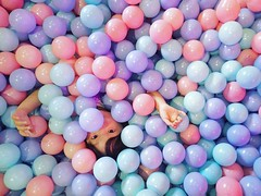 20181014/高雄攝影節 (greeandreace0816) Tags: 駁二 高雄 人像 攝影 球 孩子 小孩 kaohsiung balls kids child portraitphotography protrait photography sonyalpha sony a5100 ilce5100