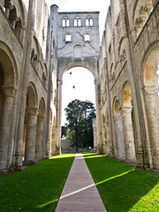 Die Kathedrale / The Cathedral # 3 (schreibtnix on 'n off) Tags: reisen travelling frankreich france normandie jumièges ruine ruin kathedrale cathedral olympuse5 schreibtnix