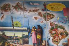 vintage airline triptych (BarryFackler) Tags: danielkinouyeinternationalairport honoluluinternationalairport airport art artwork painting map hawaiianislands islands kahoolawe hawaiiisland maui oahu kauai molokai lanai niihau airroutes alohaairlines hawaiiana vintageart commercialart hawaii polynesia indoor 2018 honolulu trip vacation terminal airlineterminal airline travel