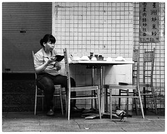 Dining out (gro57074@bigpond.net.au) Tags: dixonstreet bw monotone mono monochrome blackandwhite streetdining woman sydney tamronsp2470mmf28divcusdg2 f80 2470mmf28 tamron d850 nikon haymarket candid streetphotography