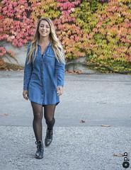 Gabriella en marche (Philippe Bélaz) Tags: 105mm d800e gabriella automne blonde couleursautomnales jeans joie marche portraits shootings sourires