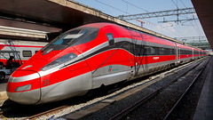 Frecciarossa (HansPermana) Tags: train tren trenitalia zug romatermini centralstation hauptbahnhof frecciarossa transportation travel rom roma rome italy italien italia