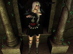 † M16 † (BillitaUnderZone) Tags: farfalla dela qweenb asteroidbox axix atomic girl avatar woman post pose secondlife sl dark gacha catwa virtual blogger newreleases mesh maitreya