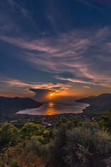 Sunset time (Vagelis Pikoulas) Tags: sun sunset sunshine sunburst porto germeno autumn october 2018 view landscape sea seascape europe greece canon 6d tokina 1628mm nature sky skyscape clouds cloudy cloud cloudscape