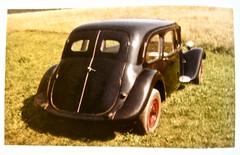 1946-1957 CITROËN 11C Traction Avant Ambulance (ClassicsOnTheStreet) Tags: citroën 11c tractionavant ambulance 19461957 ziekenauto ziekenwagen krankenwagen commerciale traction11c ta traction tractionavantambulance citroënta citroëntractionavant tractionavantcommerciale tractioncommerciale 11series sedan saloon voiture pkw auto car 40s 1940s 50s 1950s bertoni lefèbvre flaminiobertoni andrélefèbvre classic classiccar oldtimer klassieker veteran oldie classico gespot spotted carspot amsterdam 2017 straatfoto streetphoto streetview strassenszene straatbeeld classicsonthestreet reproduction reproductie repro kopie copy fotovanfoto kleurenfoto colour crowood jrboussac