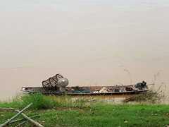 The Big Hat (SierraSunrise) Tags: boats esarn isaan mekong mekongriver nongkhai phonphisai rivers thailand