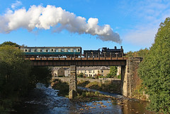 Crossing the Irwell (gareth46233) Tags: 62322 irwell river summerseat brooksbottom viaduct elr east lancs lancashire railway