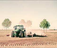 Oktober (vonreichenbach) Tags: landscape nature landschaft deutschland germany harvest ernte feld field acker traktor treker tractor fujifilm xt1 tree sky brown braun nebel fog green blue