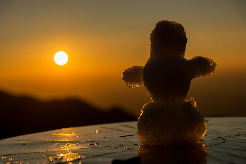 """Résultat de recherche d'images pour """"snowman sunset"""""""