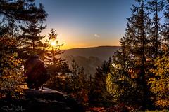 Der Fotograf und sein Motiv (rwfoto_de) Tags: deutschland europa sachsen herbst jahreszeiten fels steine zittauergebirge oybin