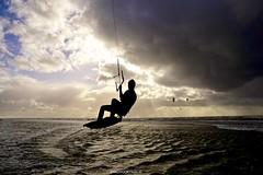DSC08157 (ZANDVOORTfoto.nl) Tags: zandvoort zandvoortfoto zandvoortfotonl kite kiter kitesurf clous sun sunset beach beachlife jump fly flyin