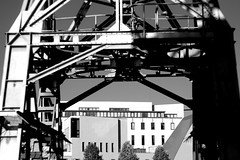 Strasbourg (Respiro67) Tags: grue contraste conservatoire metal rivet prisme helios russian lens 58mm