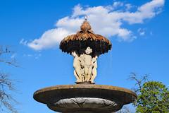 Madrid - Parque del Retiro (marianorojas1998) Tags: d5300 españa fuente madrid nikond5300 parquedelretiro retiro sol spain agua cielo