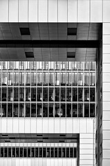 KH (Tom Putzke) Tags: architektur rheinauhafen monochrom monochrome fassade schwarz weiss black white köln colonia cologne hafen rhein germany kranhaus hochhaus glas geometrisch linien flächen fassaden oberfläche symetrie