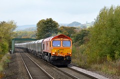 66783 The Flying Dustman approaches Bamford with the 6E51 Peak Forest to Selby, 16th Oct 2018. (Dave Wragg) Tags: 66783 class66 gbrf theflyingdustman 6e51 bamford hopevalleyline loco locomotive railway