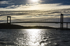 Älvborgsbron (Rudi Pauwels) Tags: fotosondag bro fs181021 bridge gothiariver silhouette glitter water clouds autumn autumnafternoon backlight sun afternoon klippan 2018 tamron 18270mm nikon d7100 nikond7100