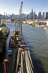r_181026224_beat0089_a (Mitch Waxman) Tags: crane dupbo greenpointbrooklyn newyorkcity newtowncreek pulaskibridge tugboat newyork