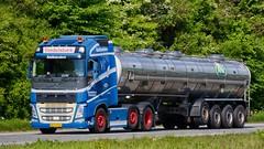 XX13714 (18.05.17, Motorvej 501, Viby J)DSC_8048_Balancer (Lav Ulv) Tags: 248366 volvo volvofh fh4 fh500 e6 euro6 6x2 2016 vindelsbæktransport arla arlafoods tanker milktanker mælketankvogn truck truckphoto truckspotter traffic trafik verkehr cabover street road strasse vej commercialvehicles erhvervskøretøjer danmark denmark dänemark danishhauliers danskefirmaer danskevognmænd vehicle køretøj aarhus lkw lastbil lastvogn camion vehicule coe danemark danimarca lorry autocarra danoise vrachtwagen motorway autobahn motorvej vibyj highway hiway autostrada silo trækker hauler zugmaschine tractorunit tractor artic articulated semi sattelzug auflieger trailer sattelschlepper vogntog oplegger sættevogn tankwagen tanktruck tankvagn